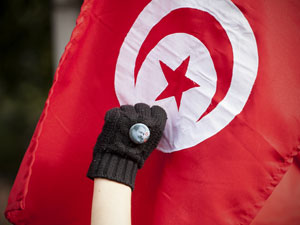Tunisian people try to reach democracy and fighting against political violence. Photo:  fbioche / Demotix