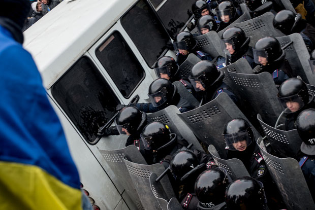 Clashes in Kiev between police and protesters on 19 January (Image: Julia Kochetova/Demotix)