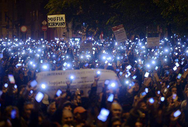 Hungarians gathered in Budapest on Sunday to protest plans to introduce a tax on internet bandwidth. (Photo: 100,000 Against the Internet Tax /Facebook)