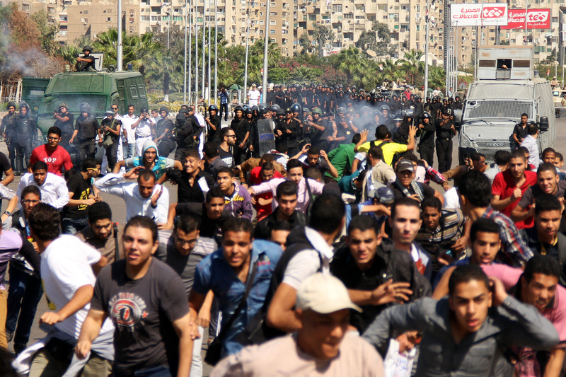 Students from the Al-Azhar University clashed today outside the University campus, in Cairo, after staging a anti-military protest. At Cairo University Morsi and Anti-Morsi supporters also scuffled.