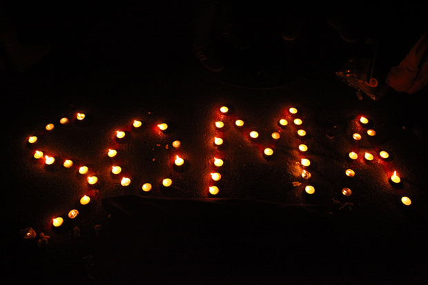 Protesters hold a vigil in Istanbul. (Photo: Nurcan Volkan / Demotix)