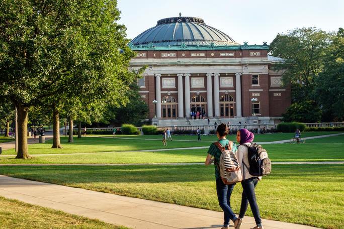 Illinois Urbana-Champaign University in the United States. Credit: Alamy/ Jeff Greenberg