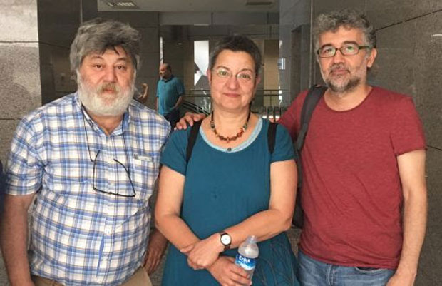 From left, Ahmet Nesin (journalist and author), Şebnem Korur Fincancı (President of Turkey Human Rights Foundation) and Erol Önderoğlu (journalist at Bianet and RSF Turkey correspondent). (Photo: © Bianet)