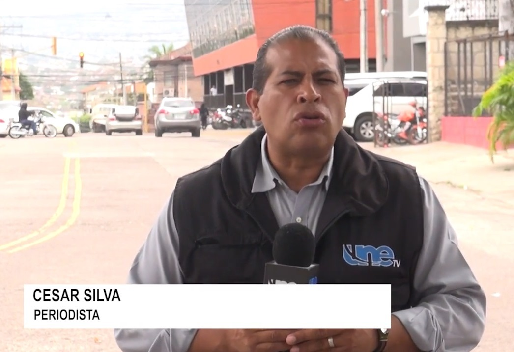 Honduran television reporter César Omar Silva was the victim of an attempted on-air stabbing in February 2018.