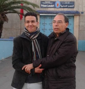 Hicham Mansouri being welcomed out of the prison by his friend and colleague Maâti Monjib, who was nominated for an Index on Censorship Award for Campaigning in 2017. Monjib, a historian and writer, along Hicham Mansouri and five other journalists, is accused of endangering Moroccan state security. Their trial has been postponed 14 times since its start in 2015.